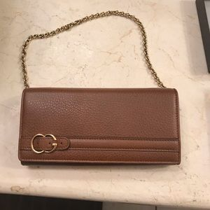 Gucci wallet with chain